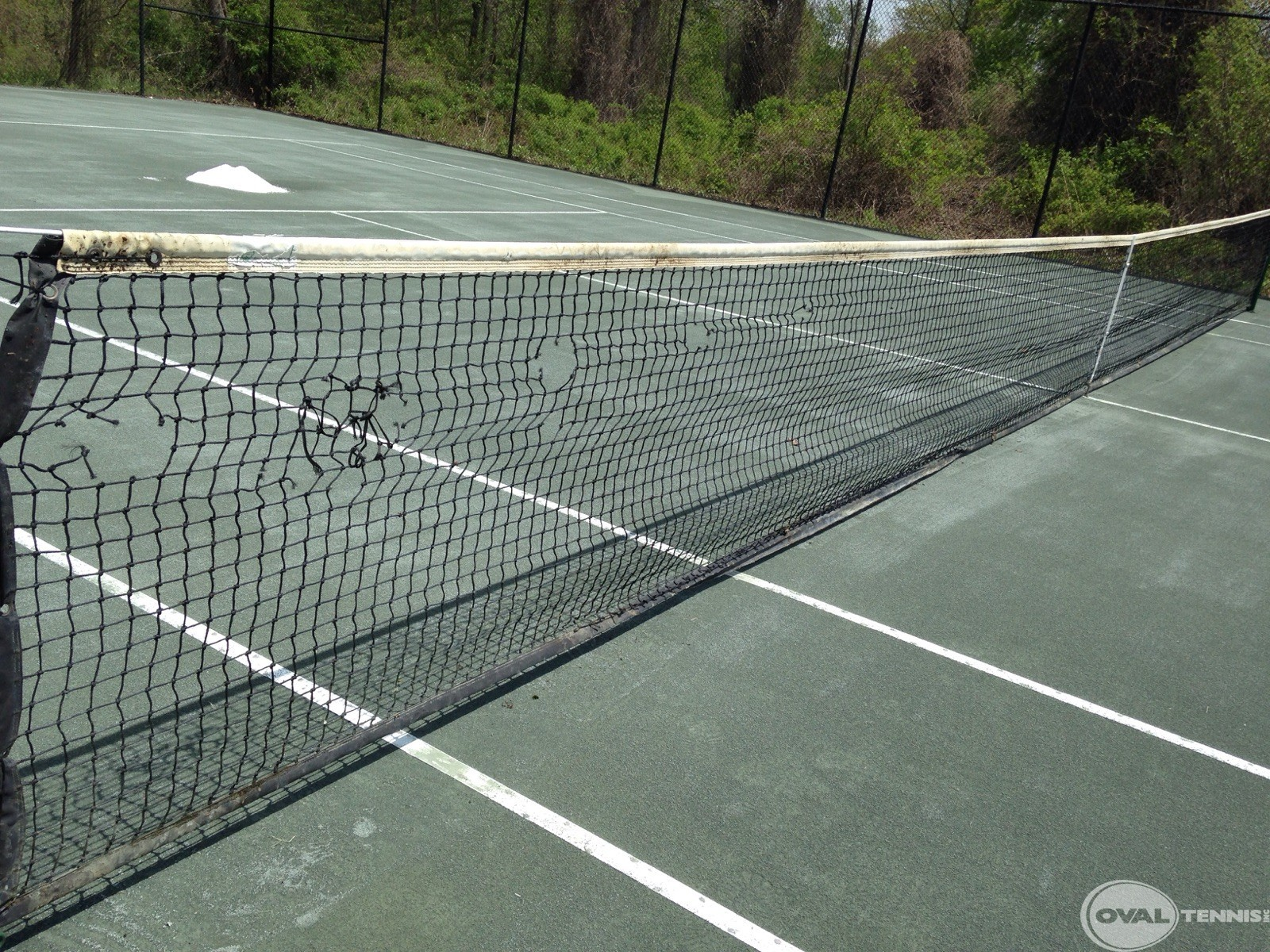 Maintenance Oval Tennis